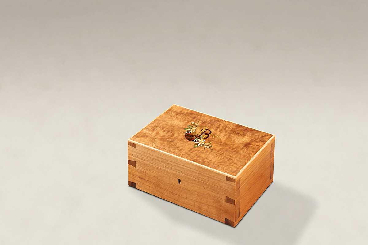 Distinguish Your Figured Walnut Dovetail Memory Boxes - Small