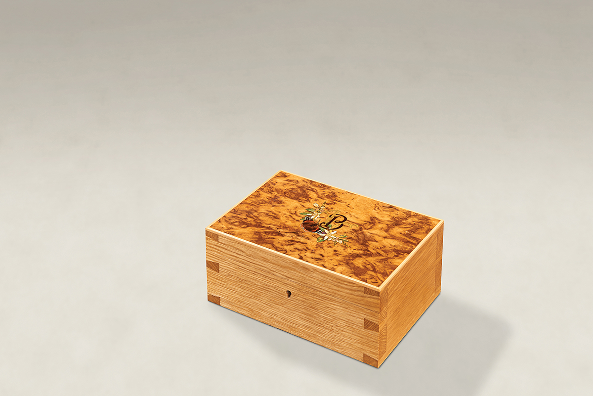Distinguish Your Burr Tiger Oak Dovetail Memory Boxes - Small